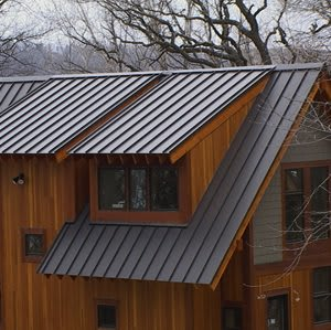 The Advantages And Drawbacks Of Using Metal Roofs